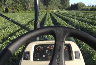 Liikumiskiirus on 30 kuni 100 m/tunnis - traktorist peab olema pundi kõige rahulikum vend
